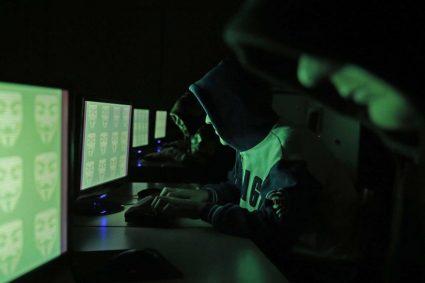 الحروب الرقمية تبدأ مبكراً بين ساسة السنة في العراق